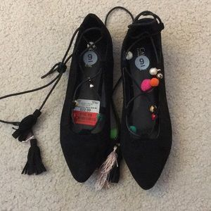 BRAND NEW Lace up flats with tassel ties